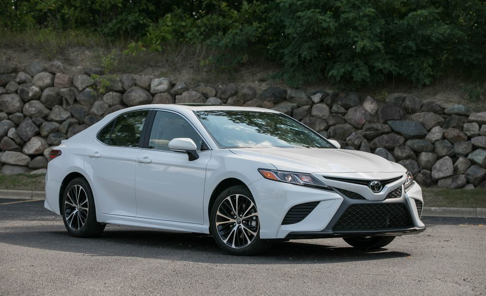 Toyota Camry (176,008 units sold) Car