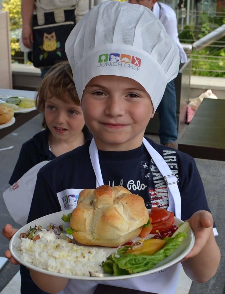 piccoli chef crescono durante le gare di cucina di junior chef il primo evento dedicato