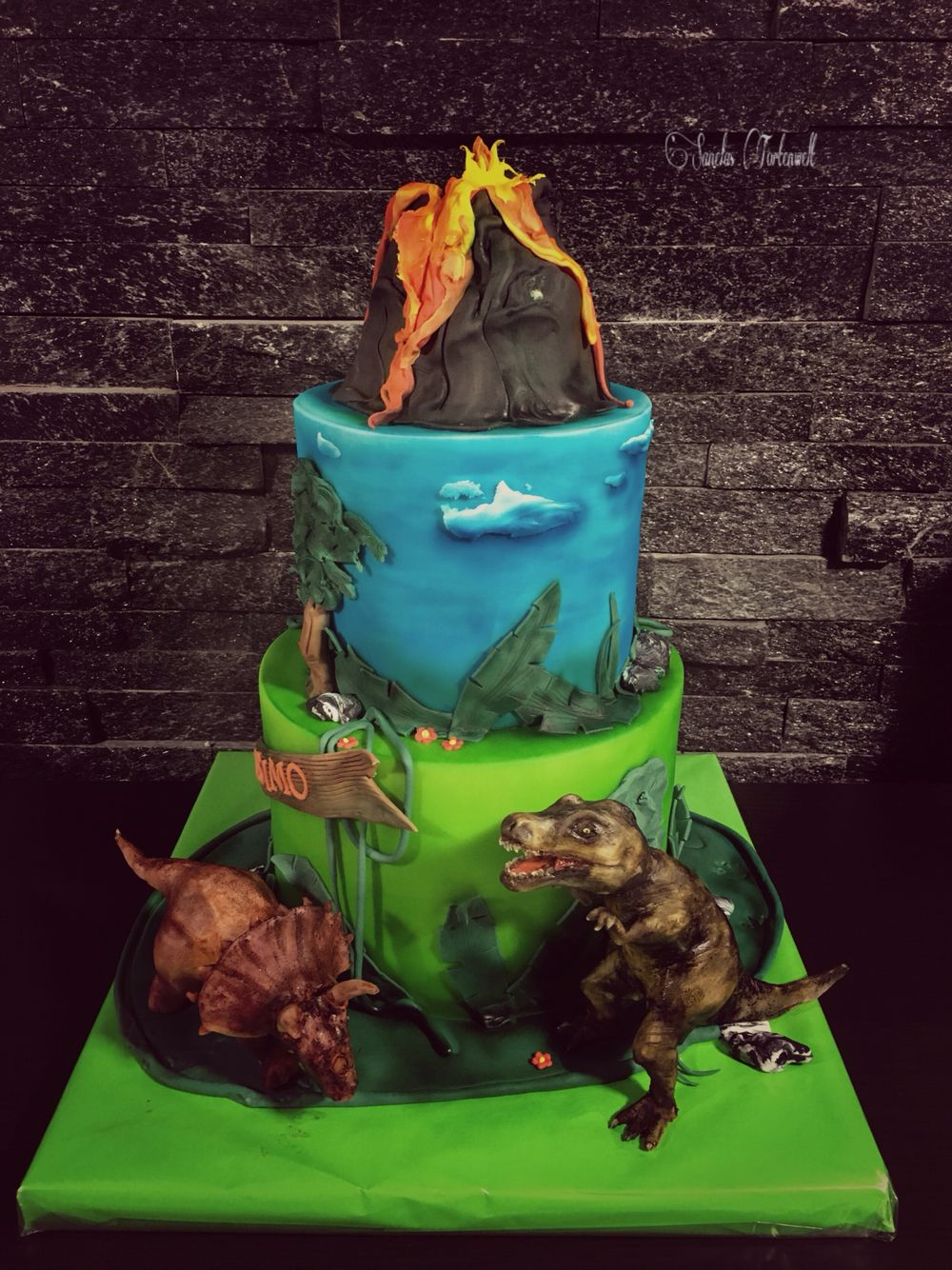 dinosaurier cake dino torte kindergeburtstags torte birthday cakes kids sanelas tortenwelt. Black Bedroom Furniture Sets. Home Design Ideas