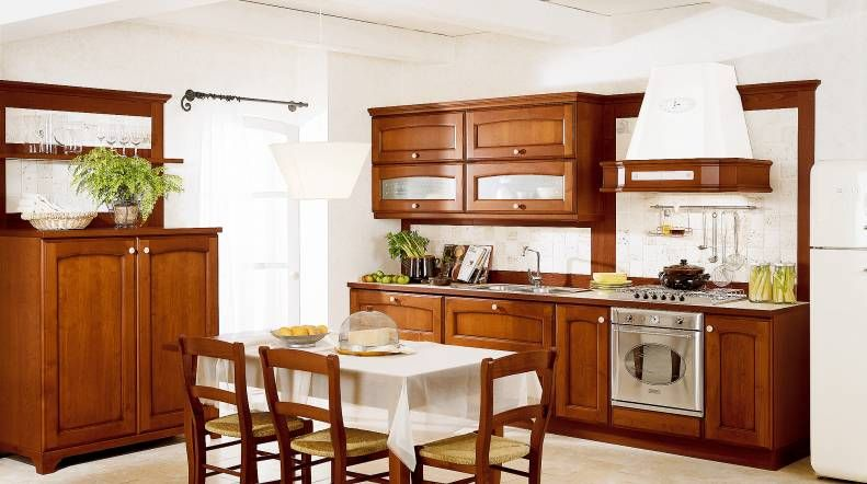 Villa d\' Este-The hallmarks of a kitchen with class: the familiar ...