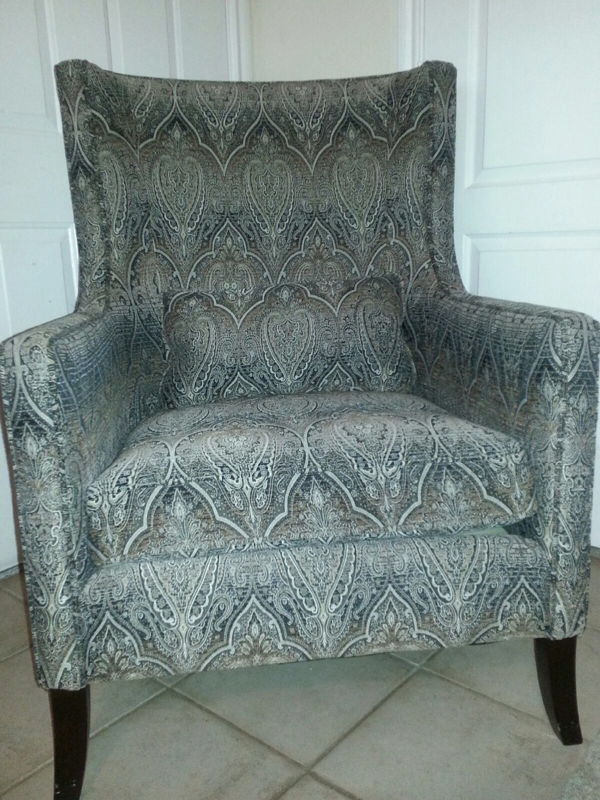 accent chair in nicefurniture s garage sale mesquite tx