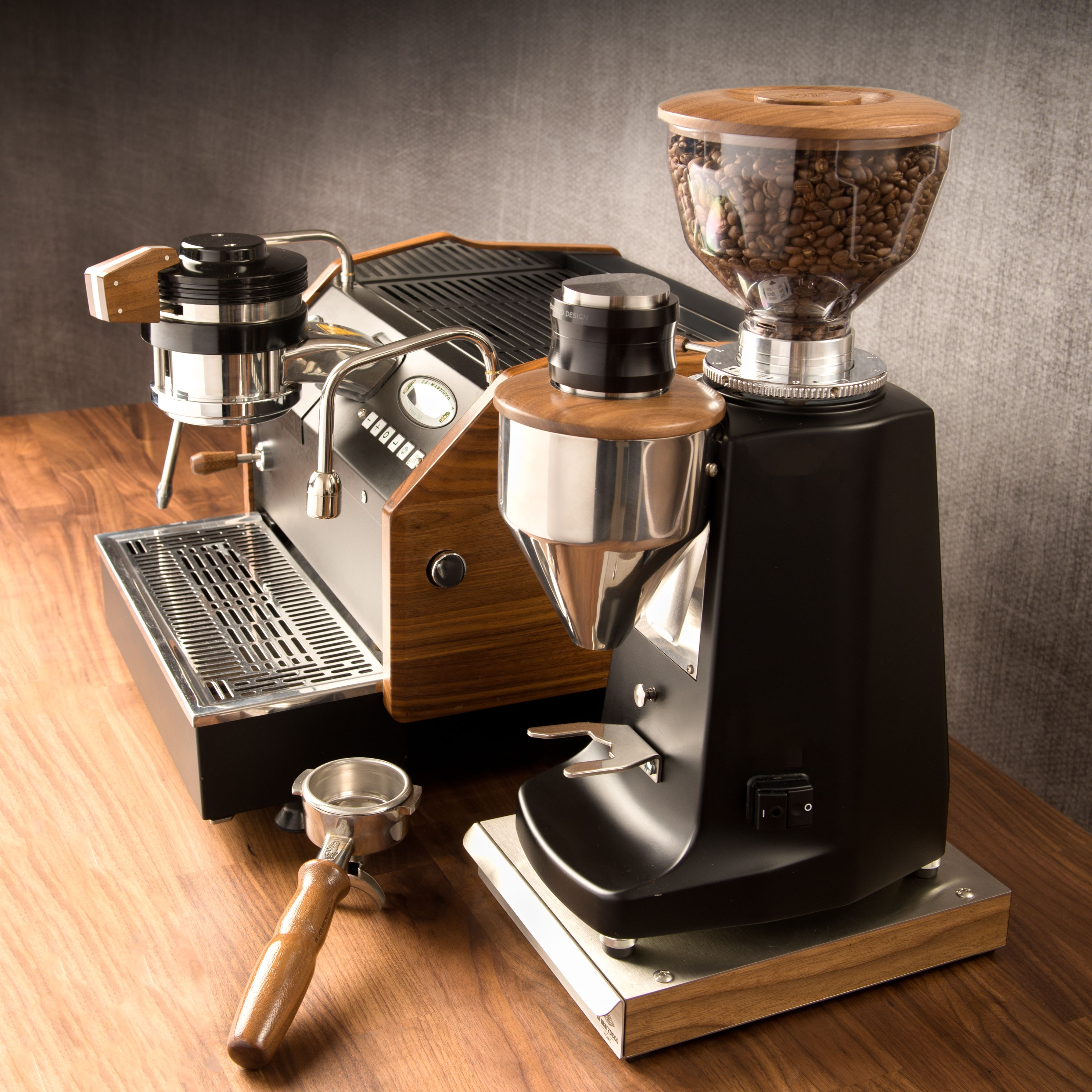 Solo Tamper All in one adjustable coffee distributor and