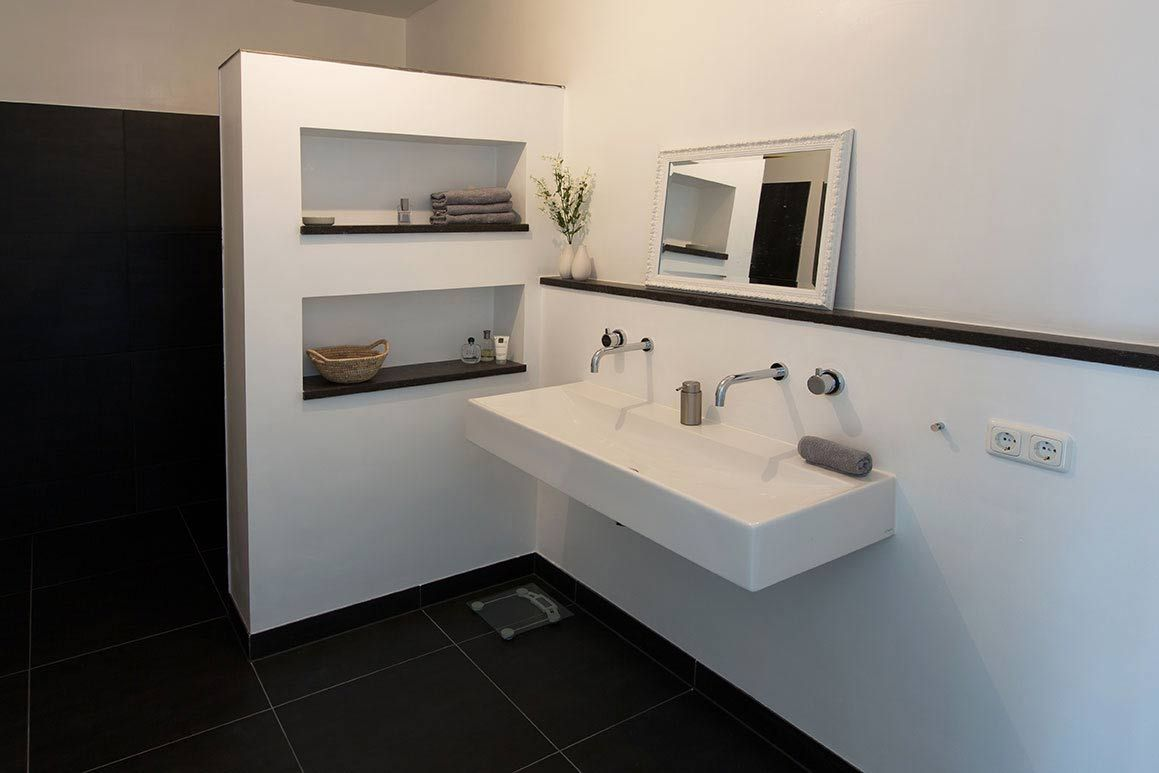 Badkamer grohe zwart wit modern huis interiors