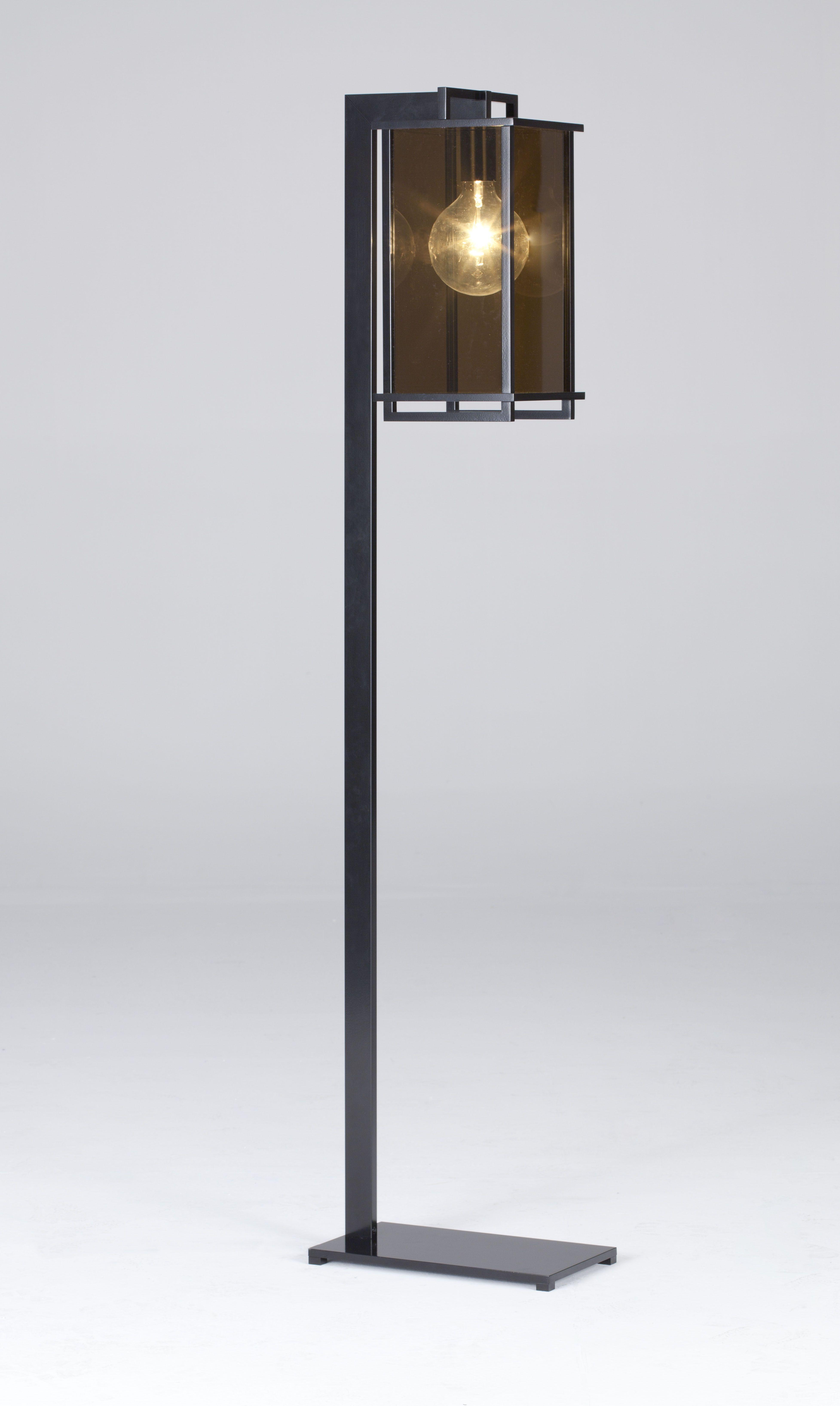Ikon Lantern Whit Support Rod Black Lacquered Light