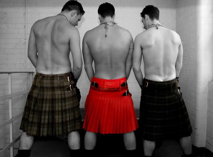 Tantalizing Tuesdays: Men In Kilts | Kilts and Tuesday : men in quilts - Adamdwight.com