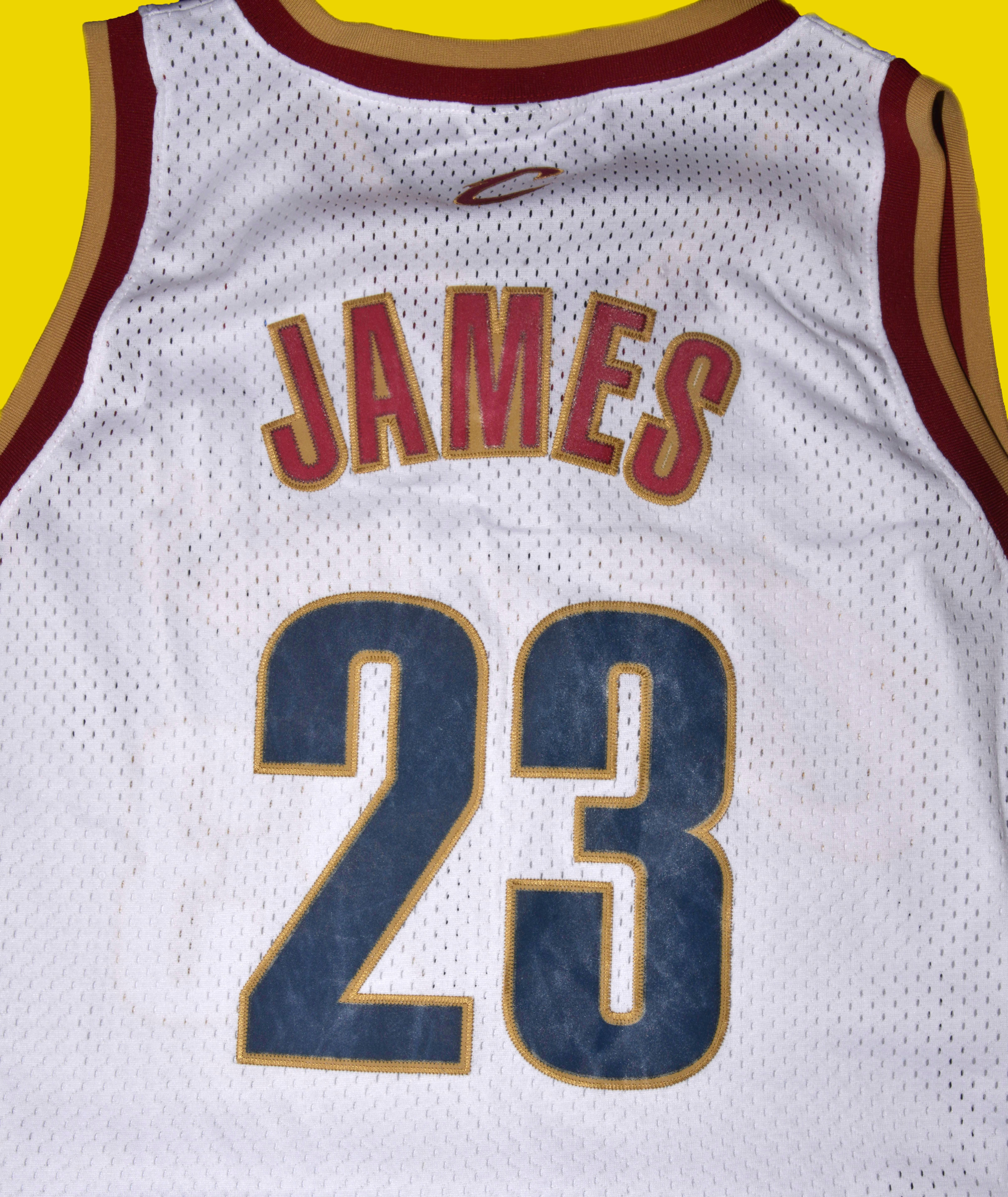 wholesale dealer 6ff19 23323 Lebron James White Cleveland Cavalliers Retro Jersey XL ...