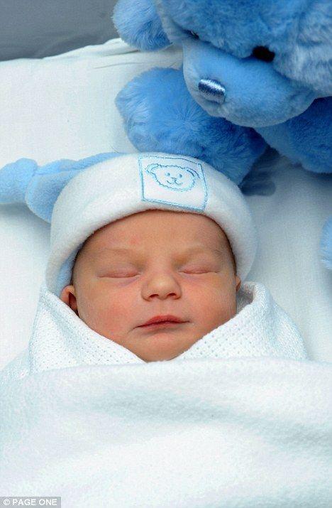 Newborn baby boy dumped in plastic bag on a pub doorstep