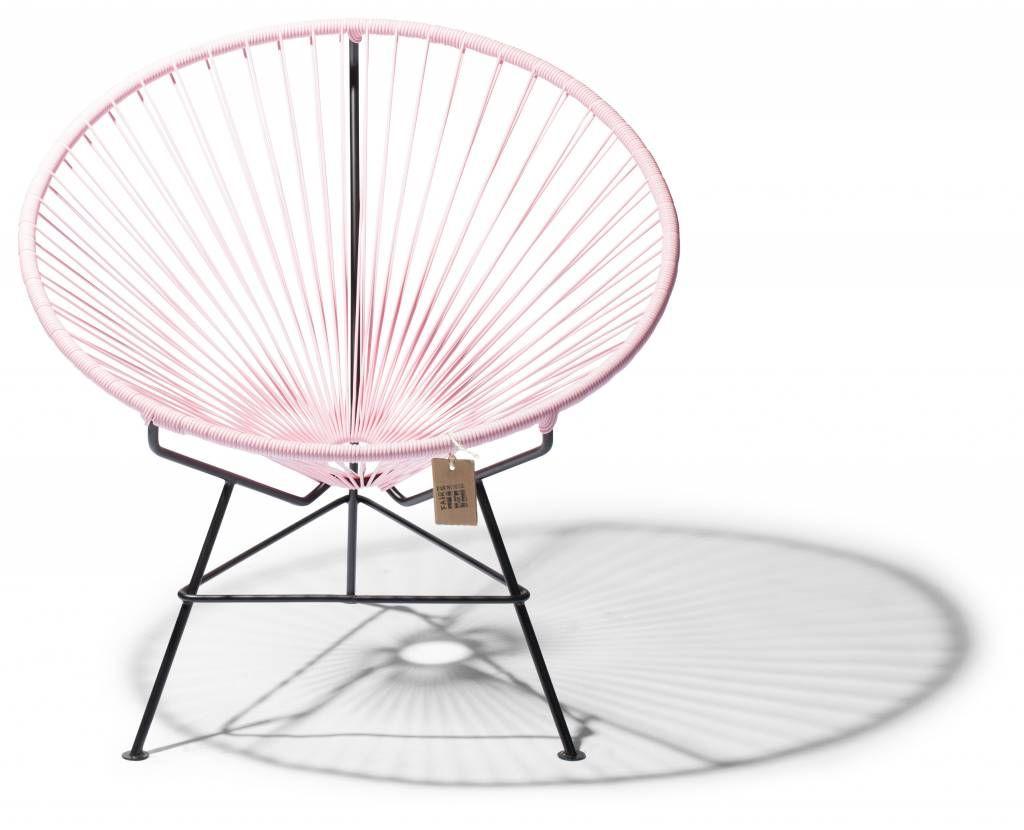 Pastel roze Condesa stoel, ronder dan de Acapulco en natuurlijk erg comfortabel. Voor in de woonkamer of op kantoor, een echte blikvanger.