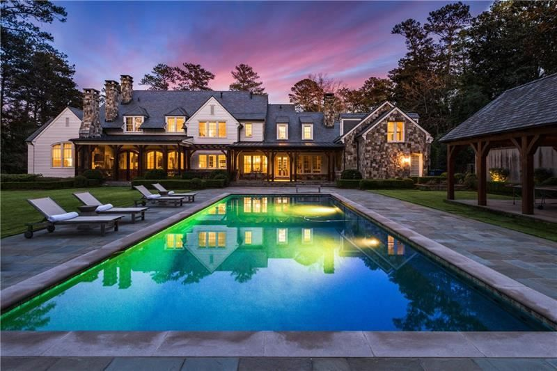 3900 Tuxedo Road Nw Atlanta Ga 30342 5985649 Re Max Of Georgia Colonial Farmhouse Pool House Swimming Pools Backyard