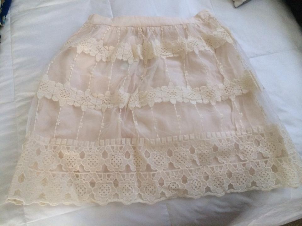 This skirt looks so cute!