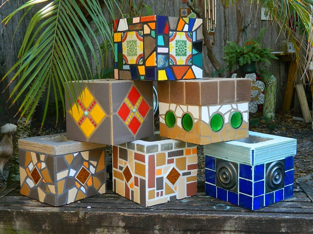 36 Diy Plant Stand Ideas For Indoor And Outdoor Decoration Cinder Block Garden Mosaic Projects Mosaic Garden