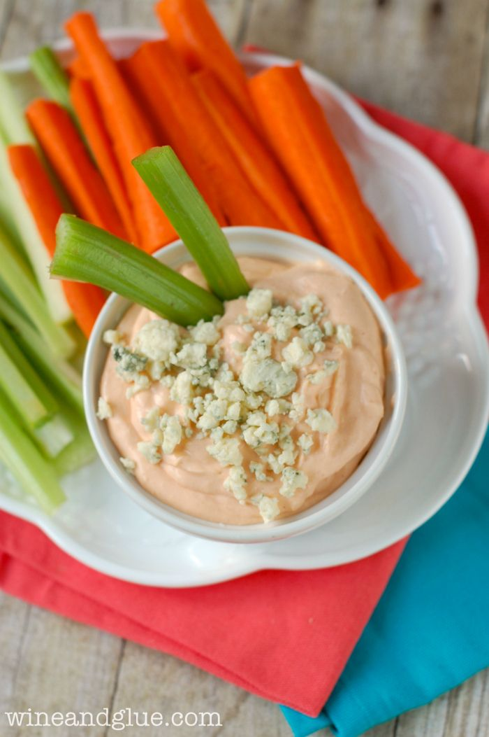 Skinny Buffalo Dip   www.wineandglue.com   A super easy and healthy appetizer!