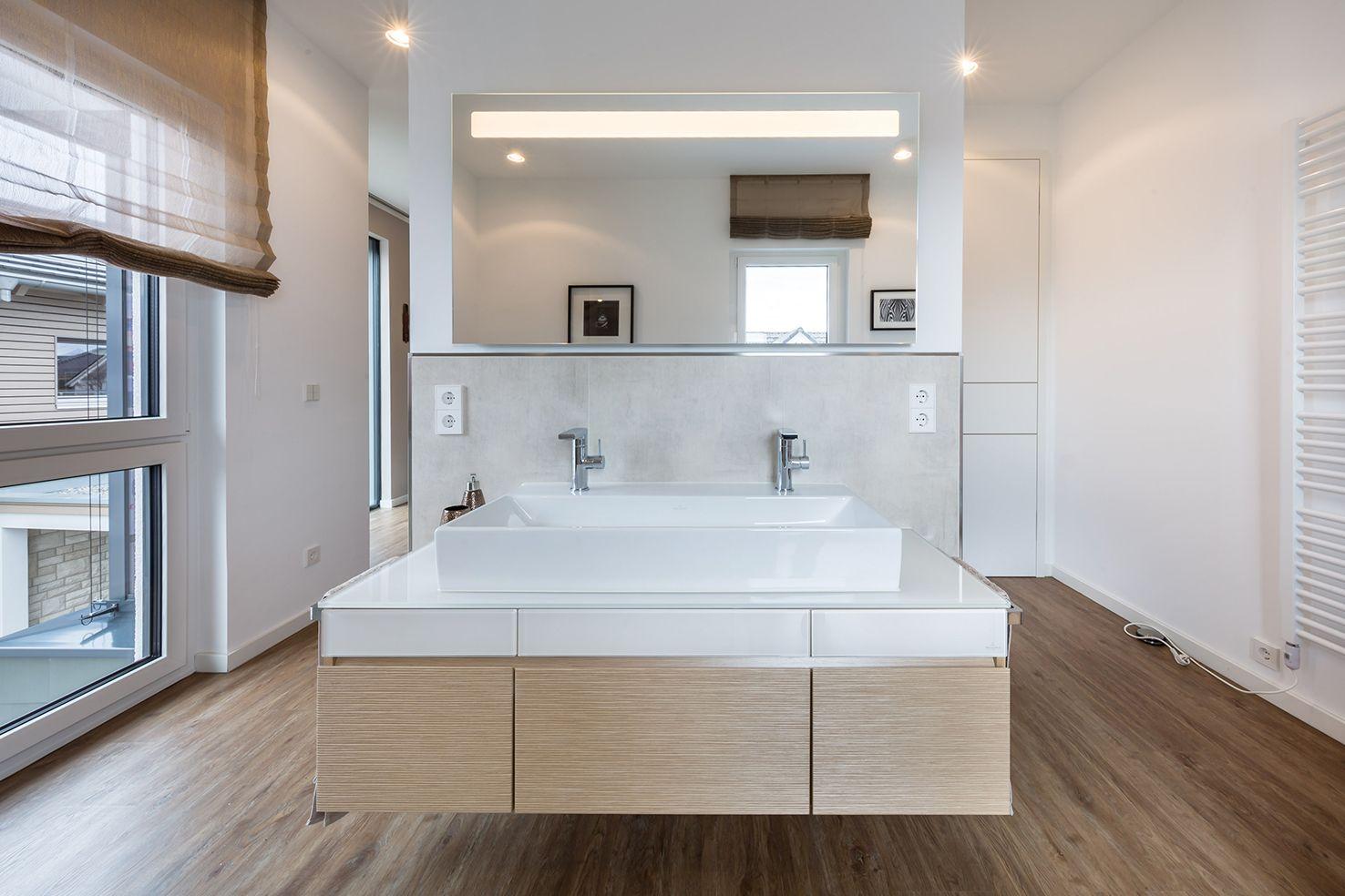 Innenausstattung badezimmer  OKAL Häuser für höchste Ansprüche | Innenausstattung der ...