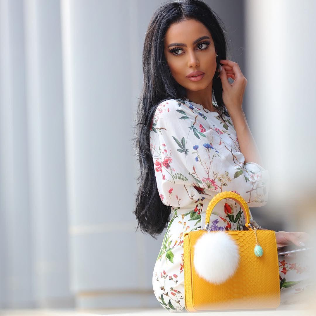Fatima Almomen فاطمه المؤمن On Instagram Long Hair Styles Lady Dior Bag Beauty