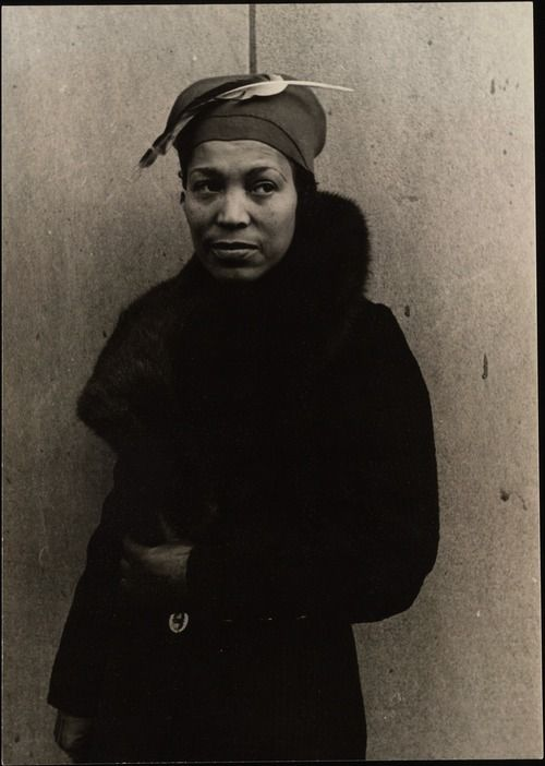 Zora Neale Hurston Born On Thi Day In 1891 Wrote These Word Her 1950 Essay What White Publisher Won T Pr Vintage Black Glamour