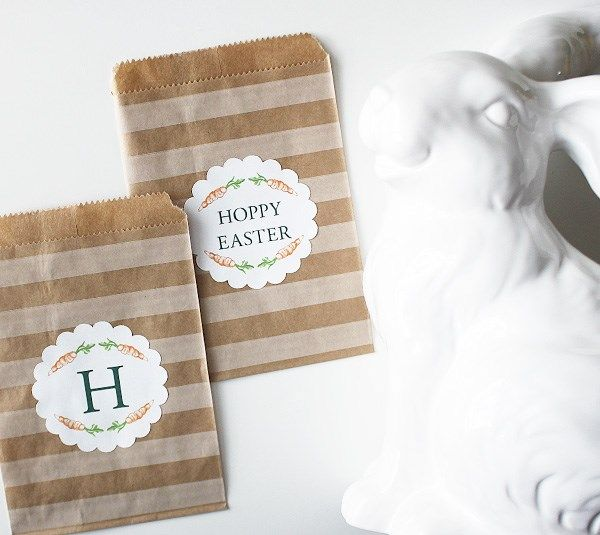These cute carrot scalloped circles are so versatile! Whether you add text and use them as place cards, food cards, or favor tags, is up to you!