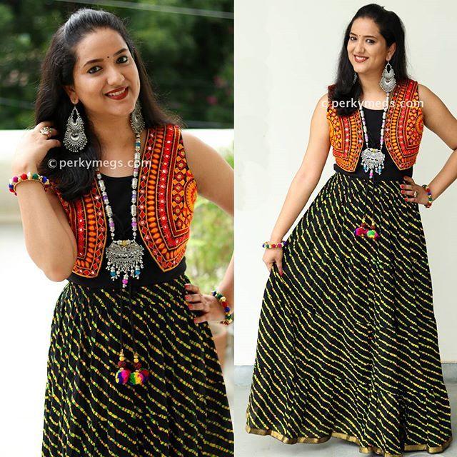 e7ba727ccd284 Try mirror jacket with cotton skirt this navratri for garba.Ethnic jacket  Leheriya skirt.