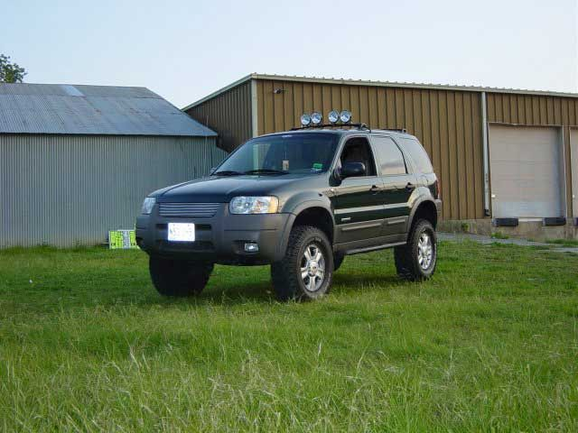 Ford Escape 4x4 Lifted Lift Kit 1 Avec Tire All Terrain Ford Suv Ford Escape Ford Trucks