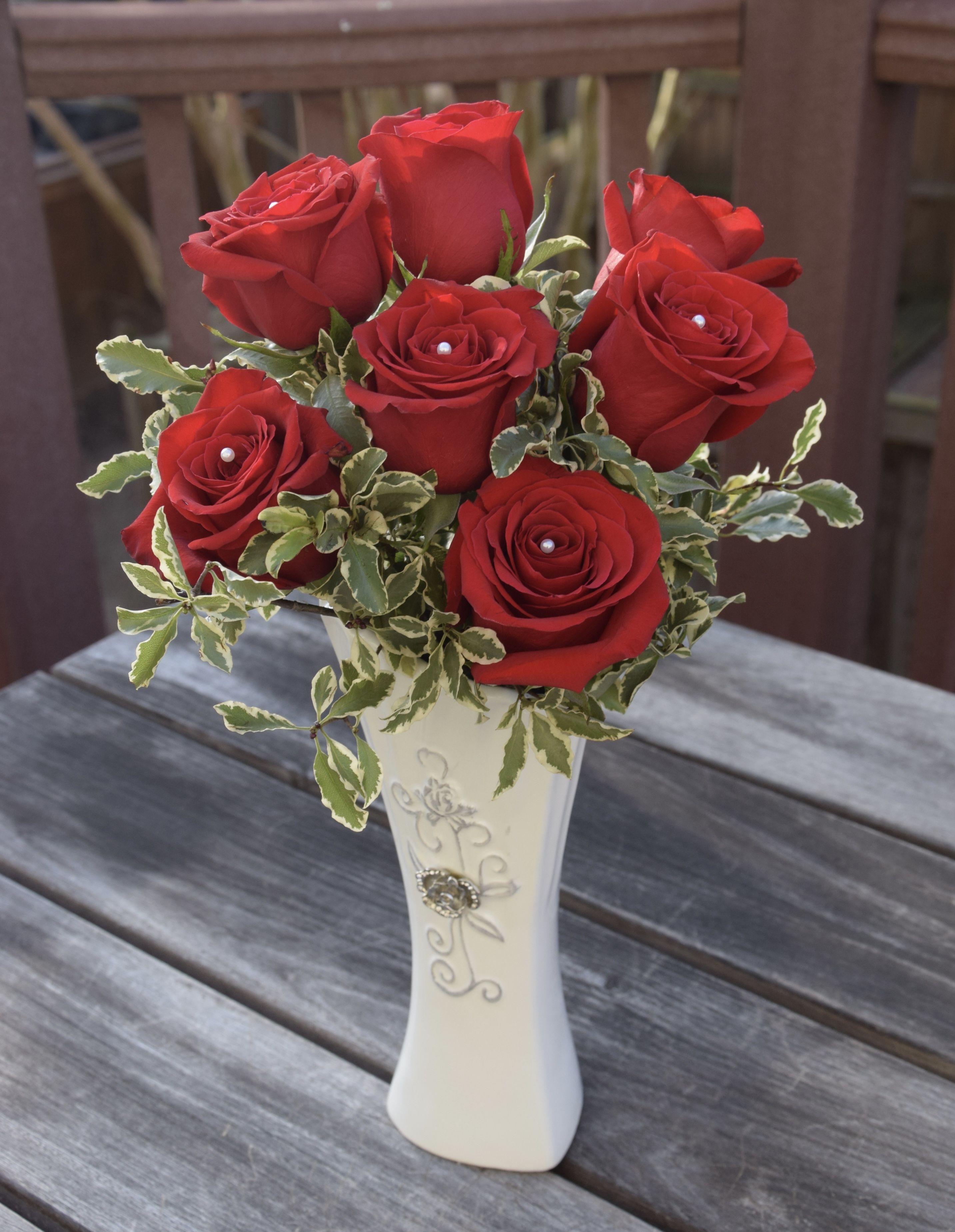Half Dozen Red Roses Flower Arrangement Flower Arrangements Fresh Flowers Arrangements Red Roses