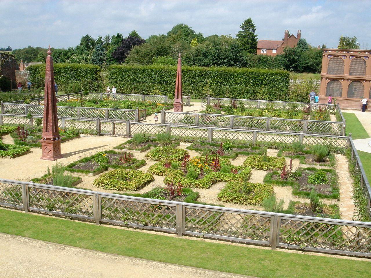 Pin By Justin Mcleod On Landscape Formal Design Garden History Kenilworth Castle Kenilworth