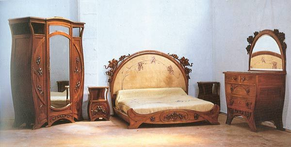 Carlo Zen, Camera da letto in cirmolo, decorazioni floreali a giorno ...