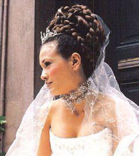 Wedding Hairstyles With Tiara And Veil: Wedding Braided Hair With Tiara And Veil