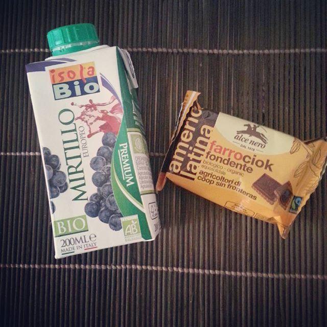 #buonpomeriggio #merenda #alcenero #cioccolato #isolabio #mirtillo #biologico #organic