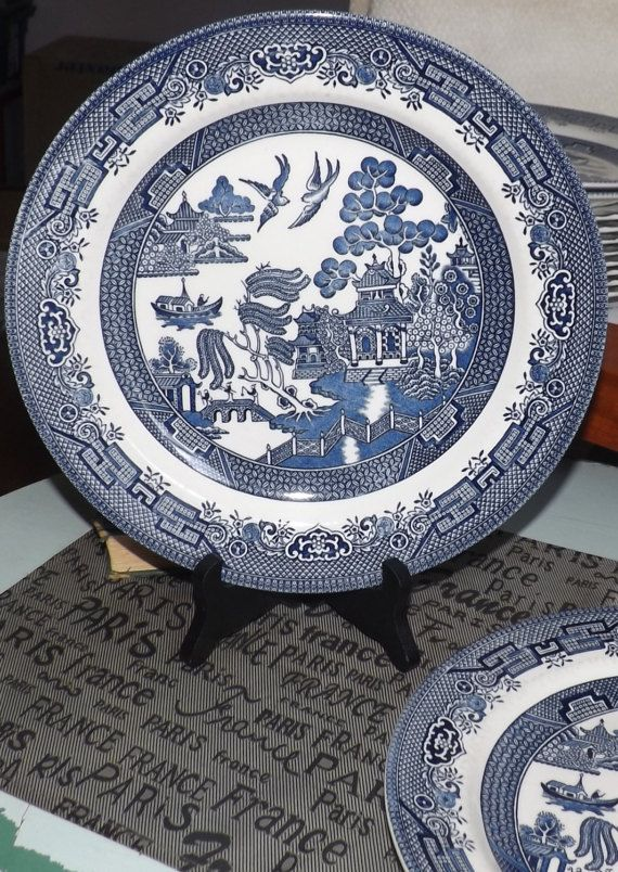 Vintage 1980s Churchill China Blue Willow Large Dinner Plate Charger Made In England Blue And White Chinoiserie Motif Blue China Chinoiserie Motifs Chinoiserie Plates