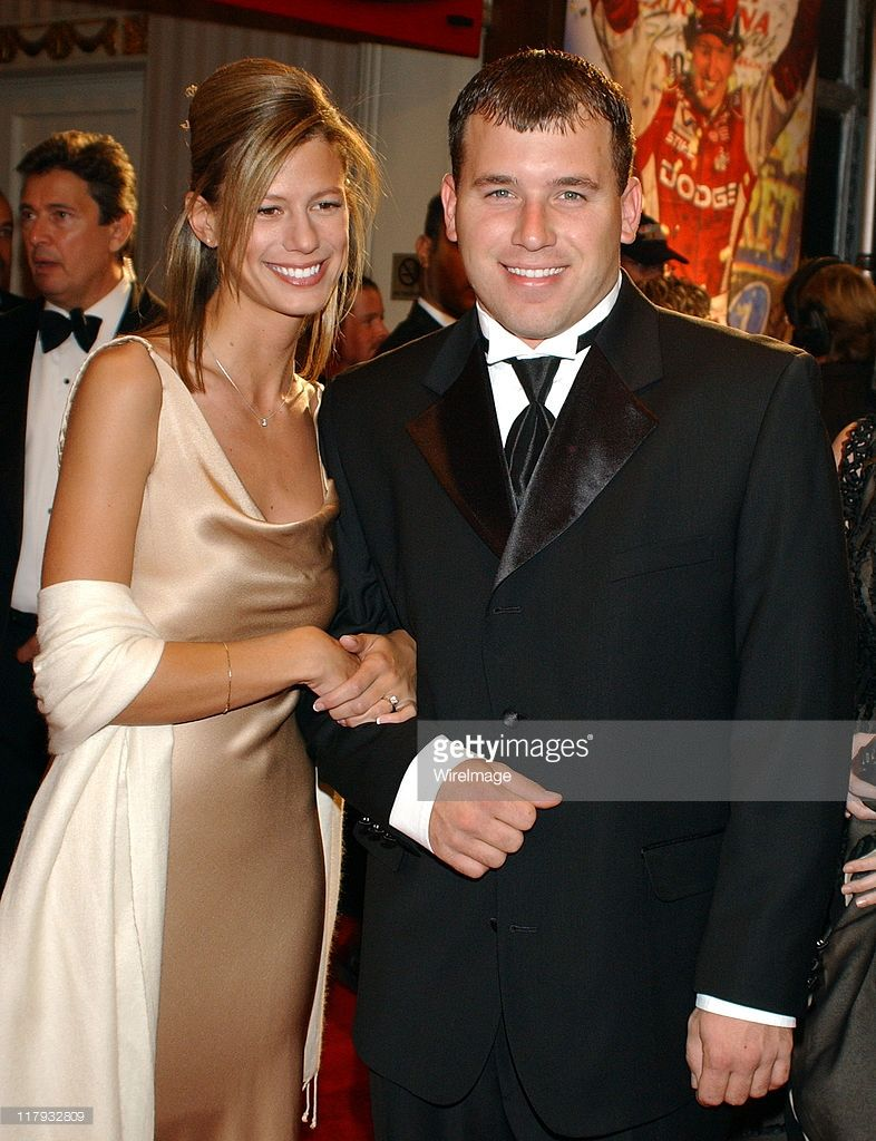 Nascar Driver Ryan Newman With Girlfriend During The 2003 Nascar Ryan Newman Nascar Nascar News Born october 29, 1958) is the third wife and widow of dale earnhardt. nascar driver ryan newman with