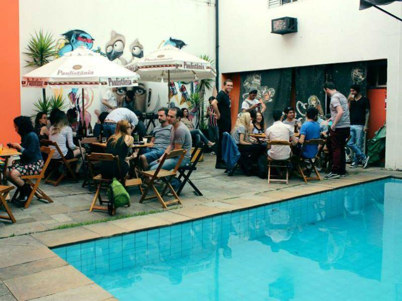 """A """"Boogie Woogie Party"""" anima o sábado, dia 10, no maior clima de """"pool party""""."""