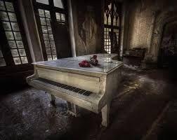 Resultado de imagem para foto de mansao abandonada    em cuba