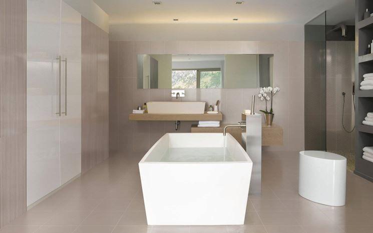 un bagno nelle gradazioni di colore beige, tortora e bianco | ;a ... - Pareti Cucina Color Tortora