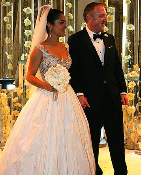 Beautiful Bride Salma Hayek Jimenez On Her Wedding Day To Francois Henri Pinault In 20 Famous Wedding Dresses Celebrity Wedding Gowns Celebrity Wedding Dresses