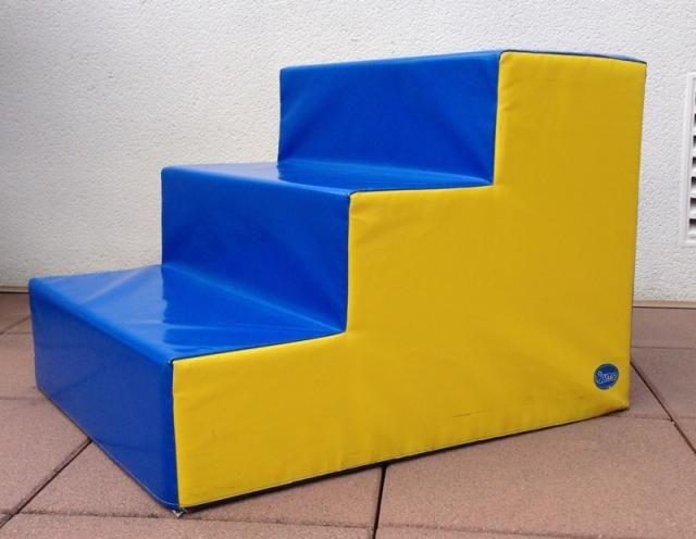 Escaleras acolchadas para habitación infantil
