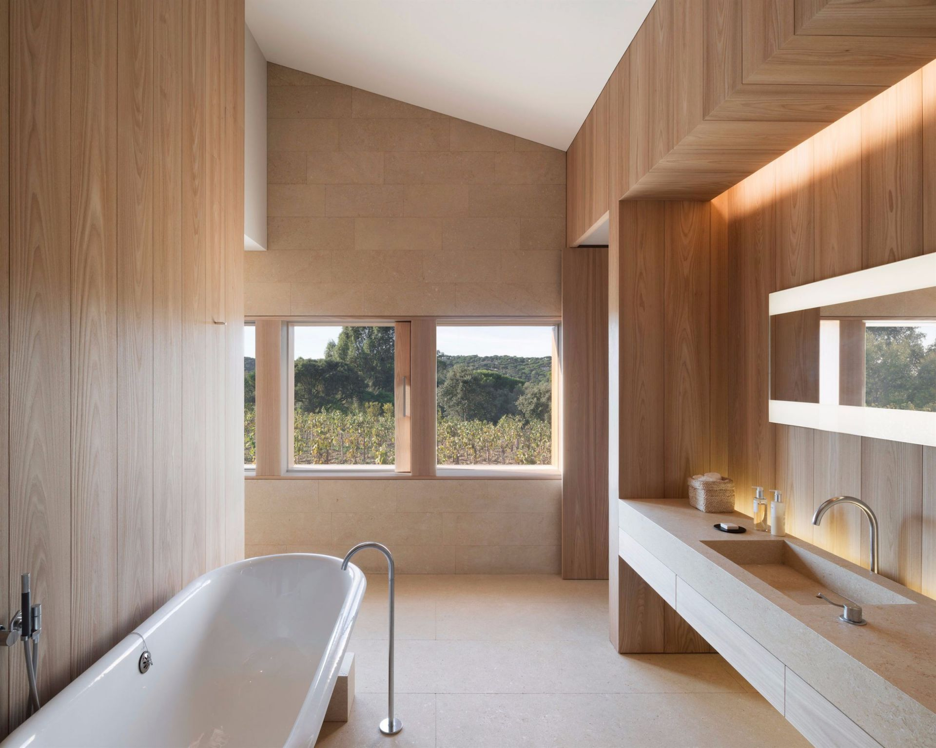 villa 12 rooms for sale on ST TROPEZ (83990) Exploreur