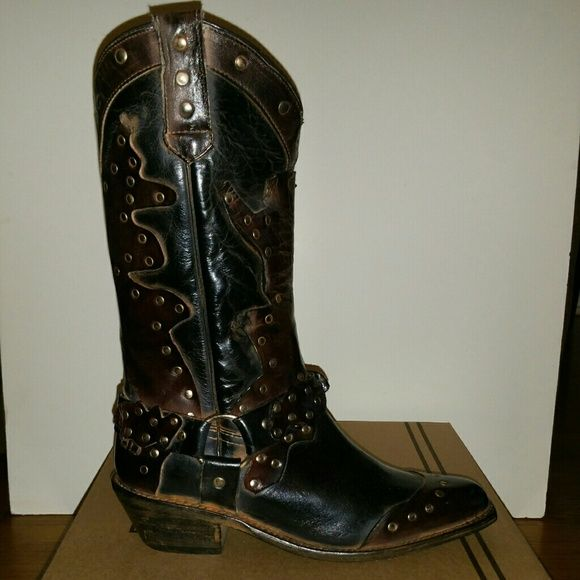 """Brand new/never worn Bed Stu """"Rubic"""" boots. Brand new/never worn Bed Stu """"Rubic"""" boots.   Size : 9  Color : Black/Teak  Retail price $275.00   Distressed leather pieced western boot  Stud accents  Tall 11"""" shaft, snip toe  3 3/4"""" heel Bed Stu Shoes"""