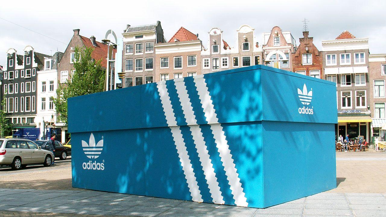 originales diseñador de moda replicas Adidas - Shoebox | Guerrilla advertising, Guerilla marketing ...