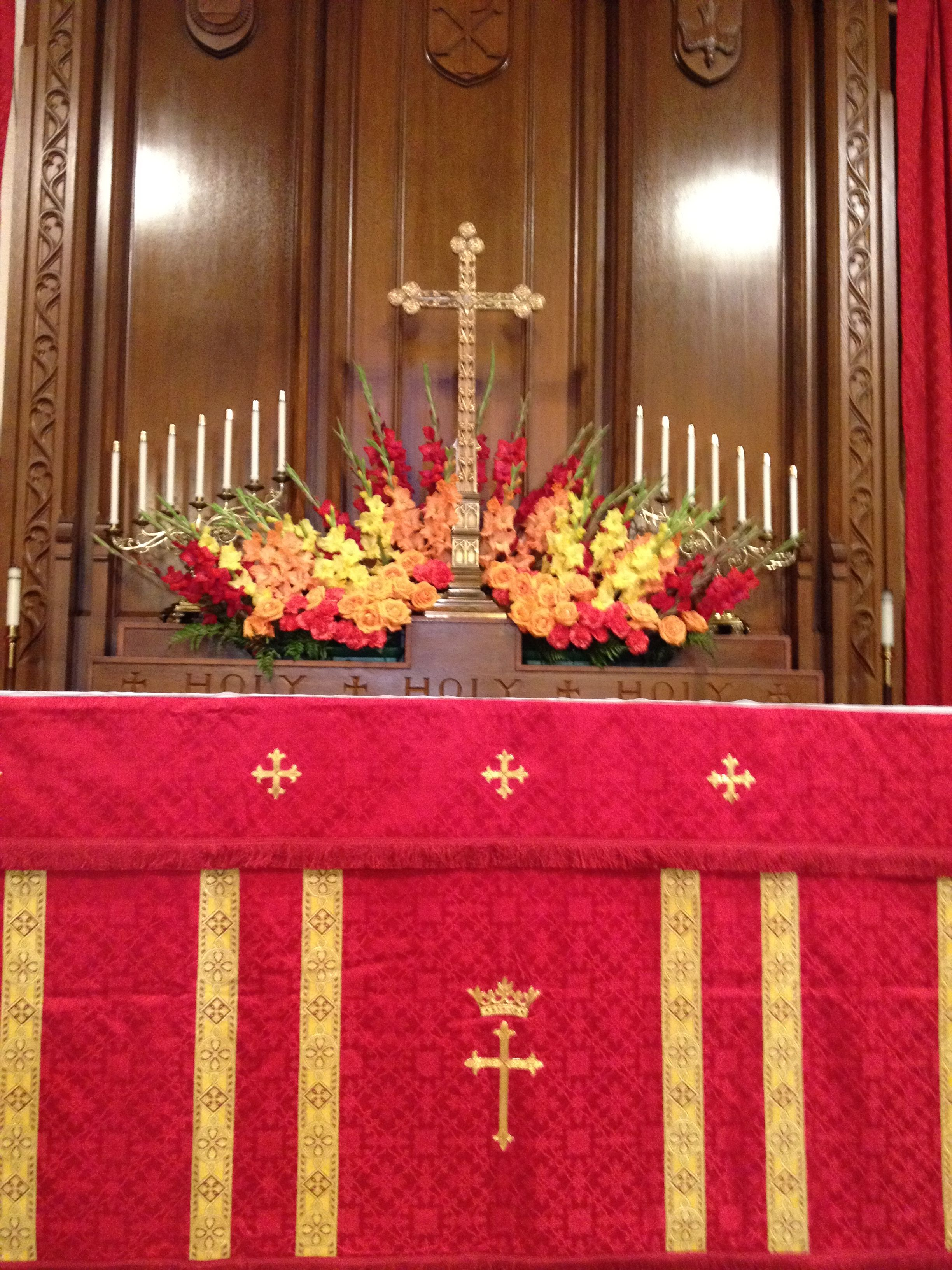 Possibility for pentecost like the combination of red for Altar decoration
