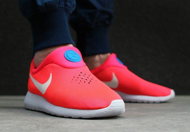 Nike Roshe Run Slip On - Laser Crimson / White - Photo Blue