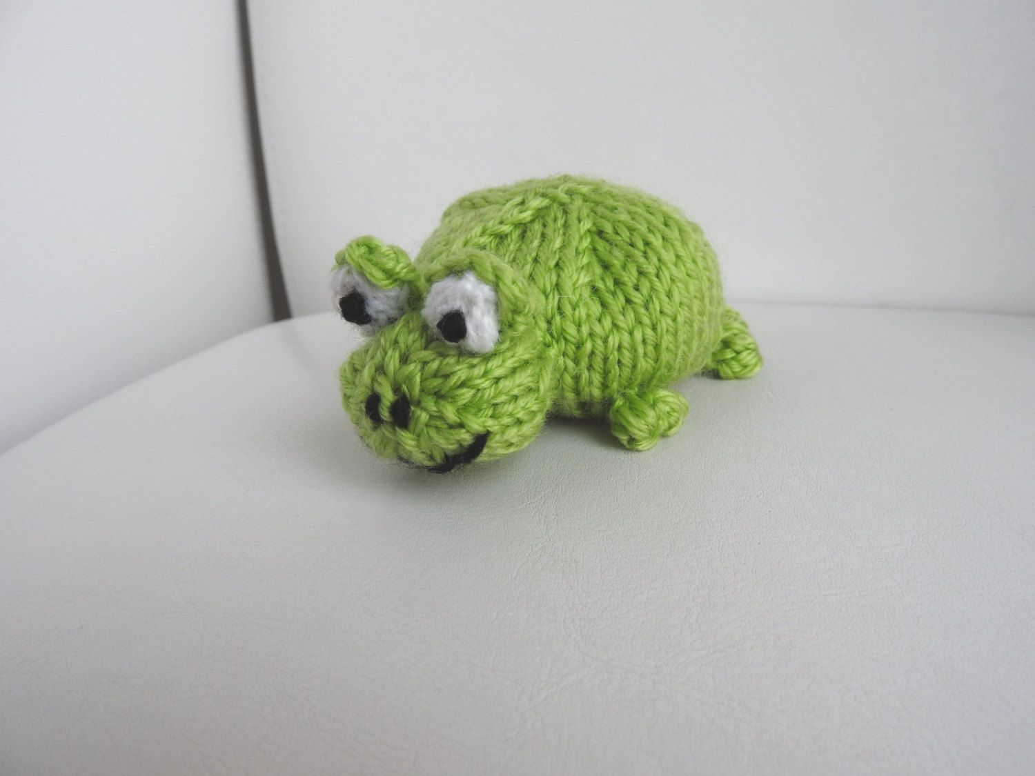 Hand knitted green frog pin cushion critter desk toy by knitsummore