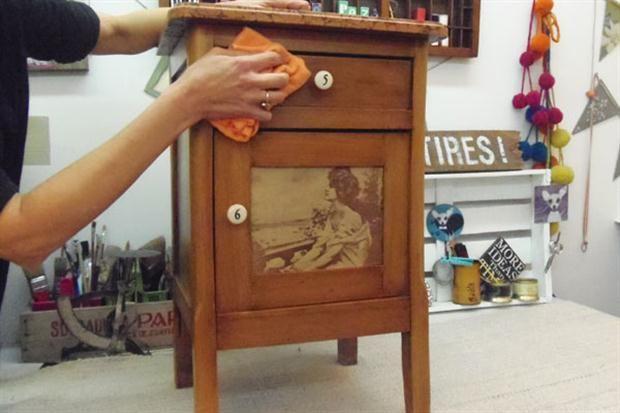 Ideas para reciclar una mesita de luz antigua | Mesa de luz, Ideas ...