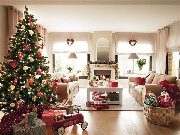 Stylish and bright Christmas home in Barcelona Light garland