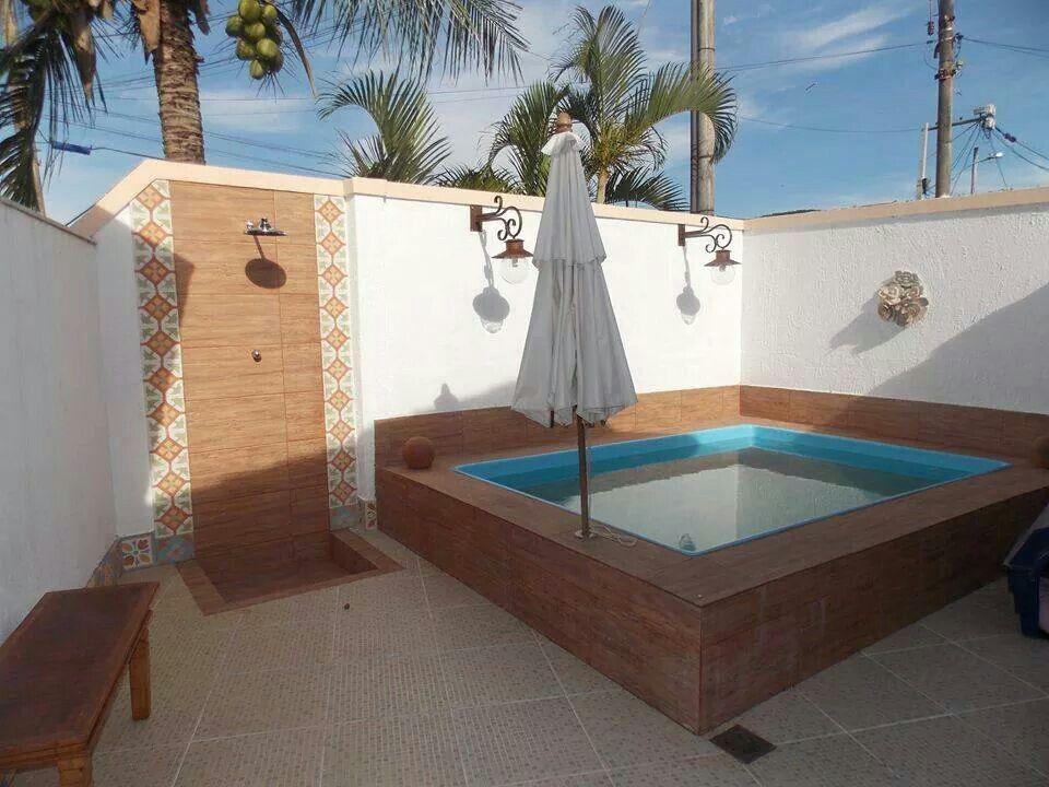 Piscina pequena piscina pinterest piscinas terrazas for Disenos de piscinas para casas pequenas