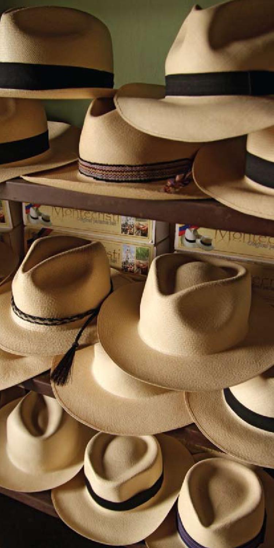 El tejido tradicional del sombrero de paja toquilla a52832ca283