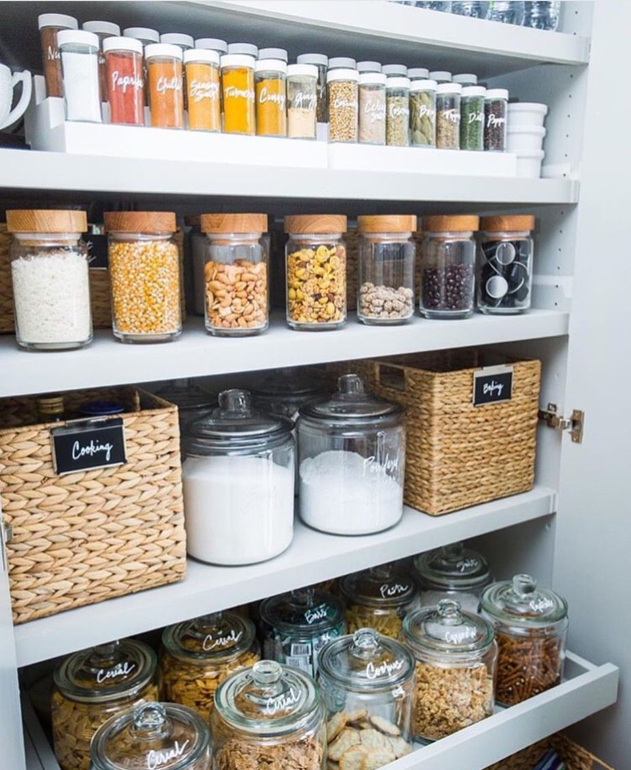 thehomeedit | Kitchen/Pantry | Pinterest | Vorratskammer, Küche und ...