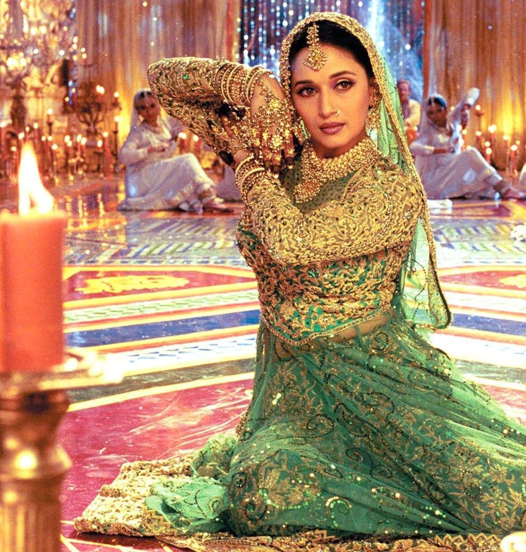 Devdas Madhuri Dixit … | Madhuri dixit, Indian movies, Bollywood ...
