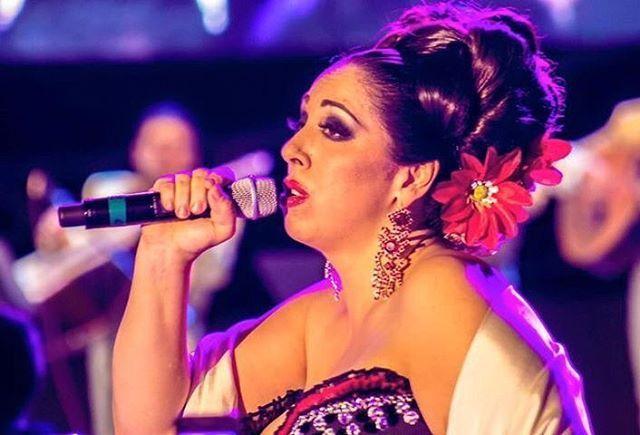 #LaMegabizcocho #reginaorozco #cancionespaagarrarelalma #mariachi #Mexico #MúsicaMexicana #AmoMéxico
