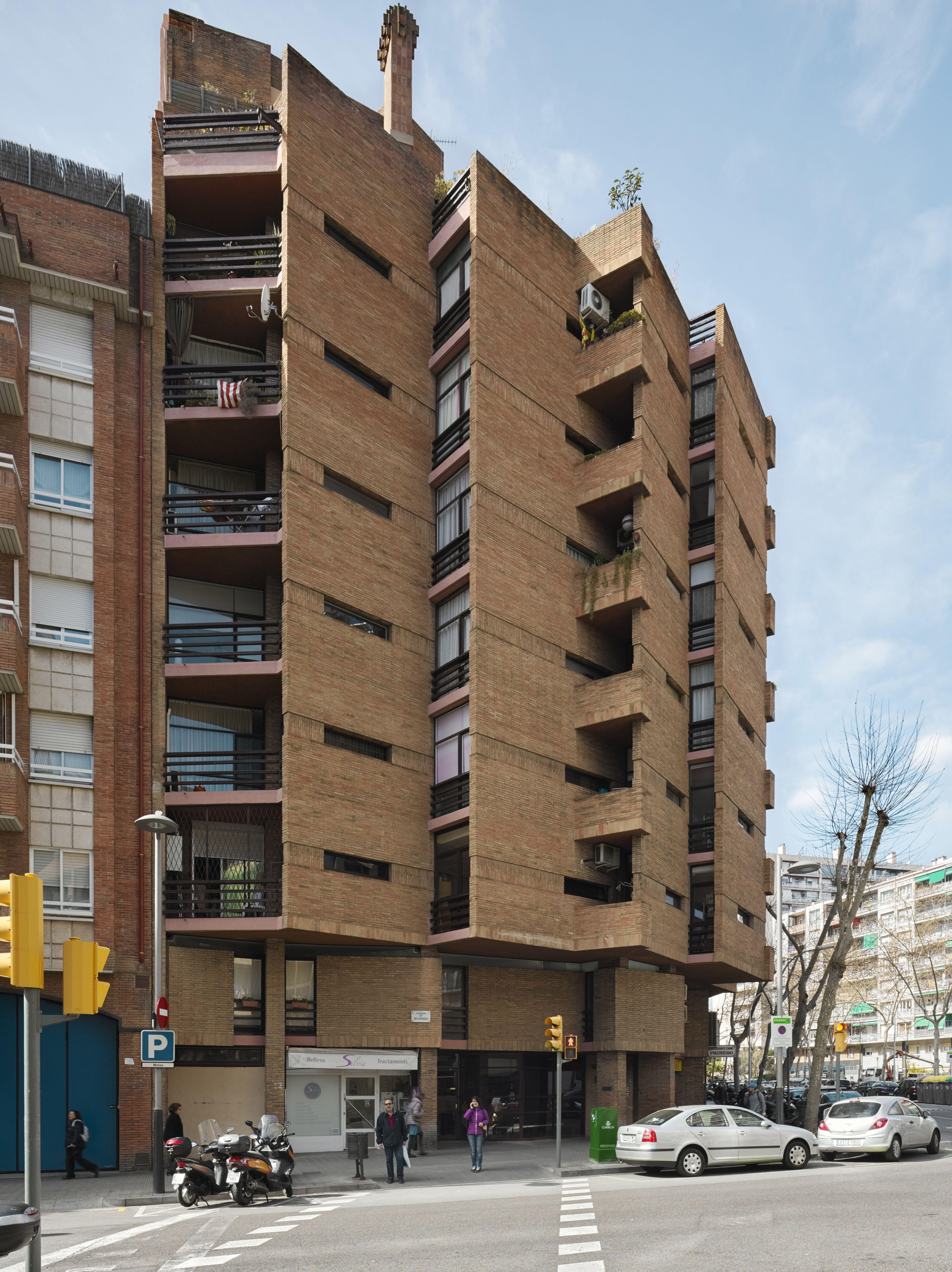 nicaragua apartment building in barcelona spain ricardo bofill taller de arquitectura ricardo. Black Bedroom Furniture Sets. Home Design Ideas