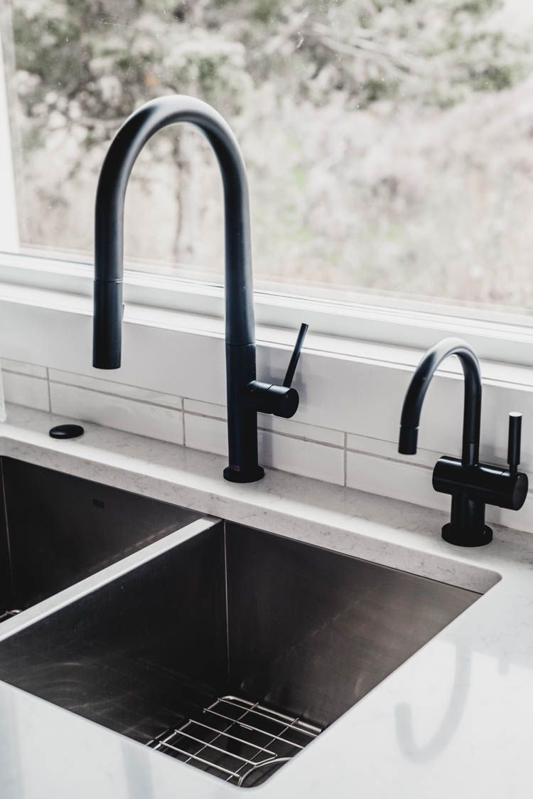 Modern Matte Black Hot Water Dispenser Matches The Faucet Beautifully Modern Kitchen Faucet Green Kitchen Olive Green Kitchen