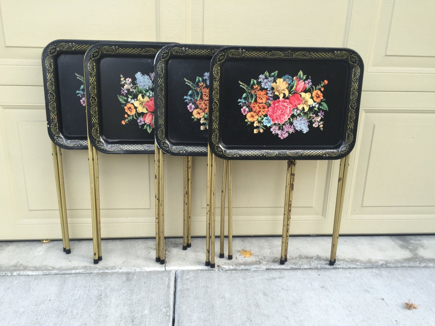 "Heavy Duty Steel 14/"" x 8 2 METAL LAP TRAYS MidCentury 5/"",White w//FLowers"